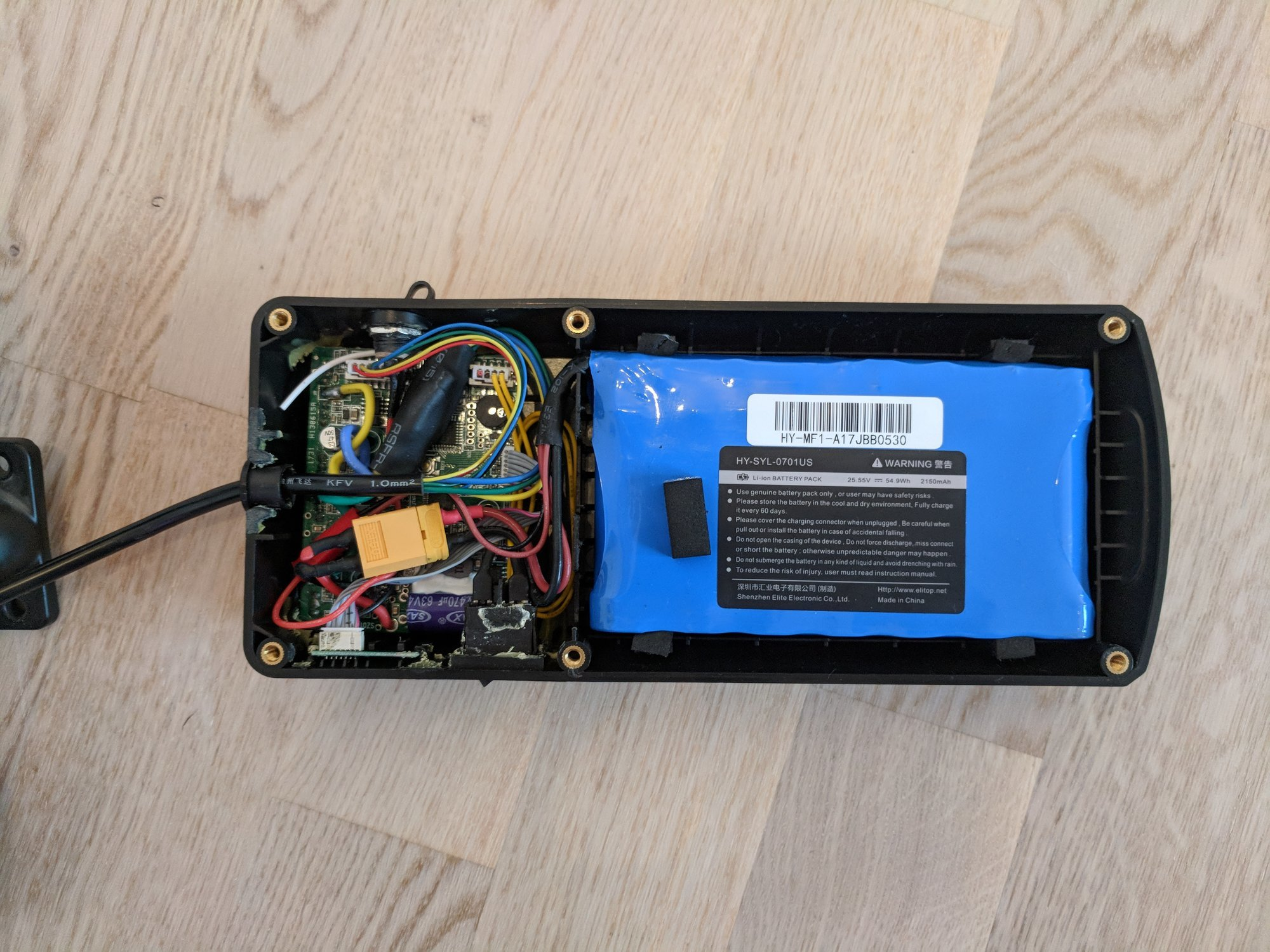 Detail view of the complete electronics with battery pack in the enclosing