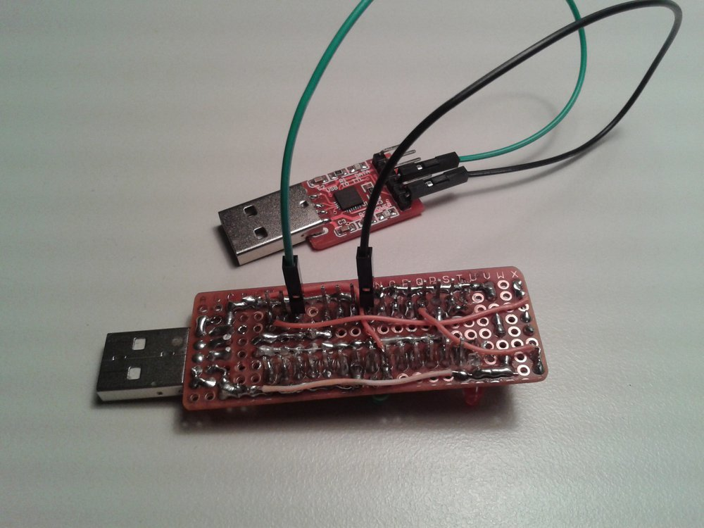 TinyUSBBoard mit angeschlossenem USB-Konverter